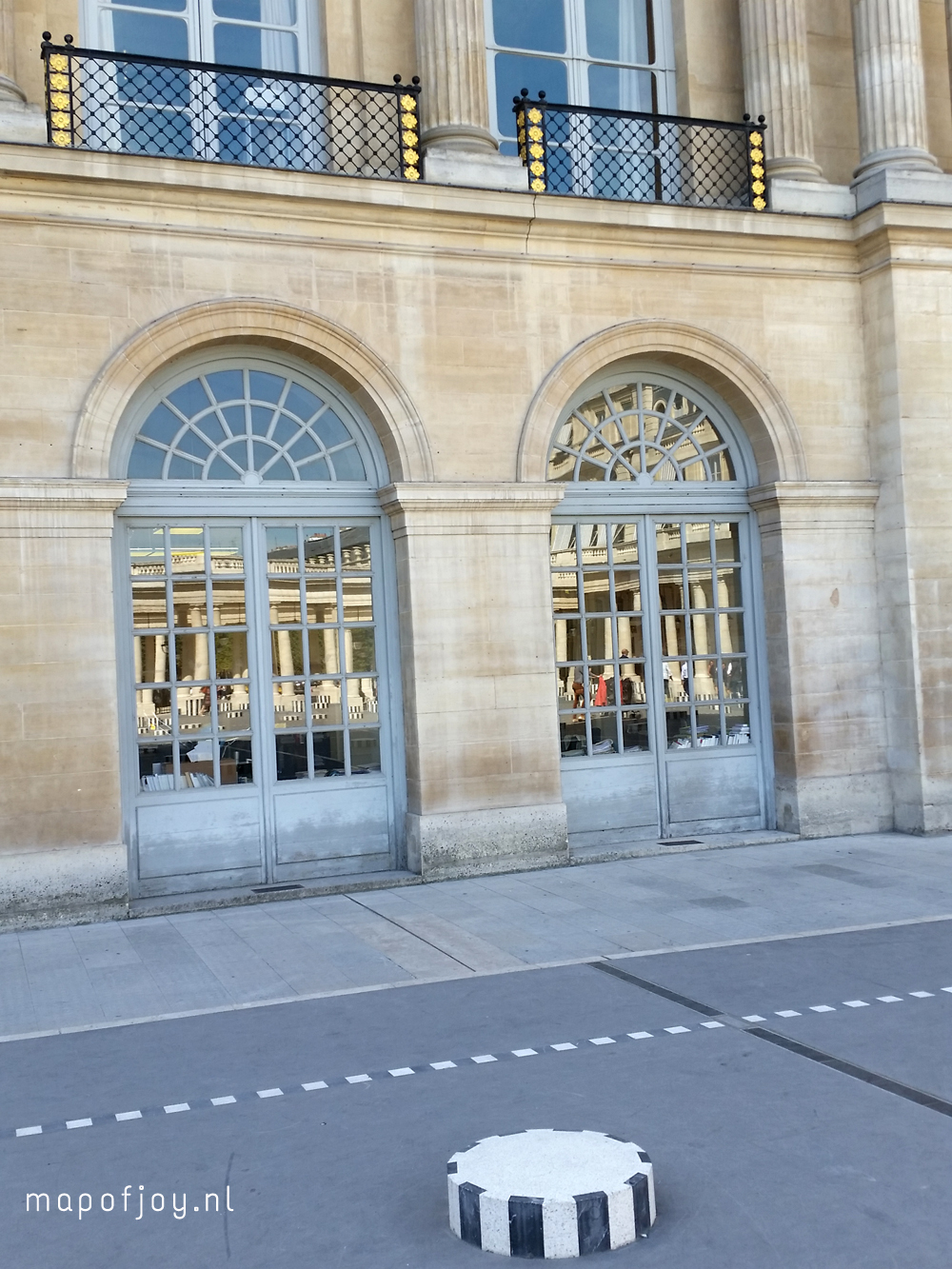 palais-royal-paris-map-of-joy