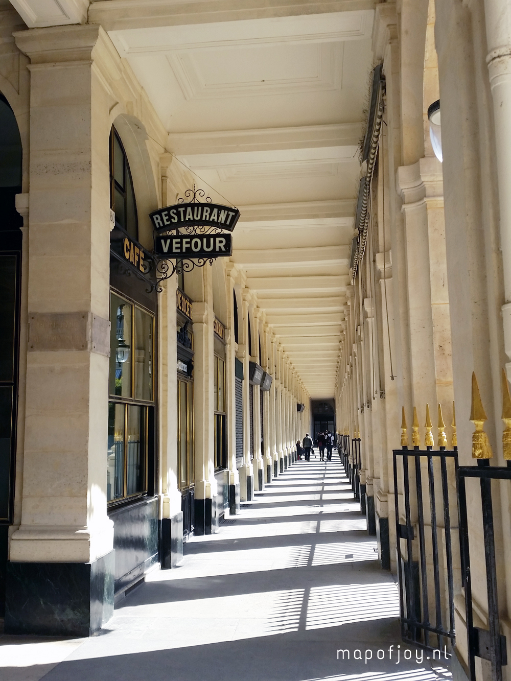 palais-royal-paris-map-of-joy7