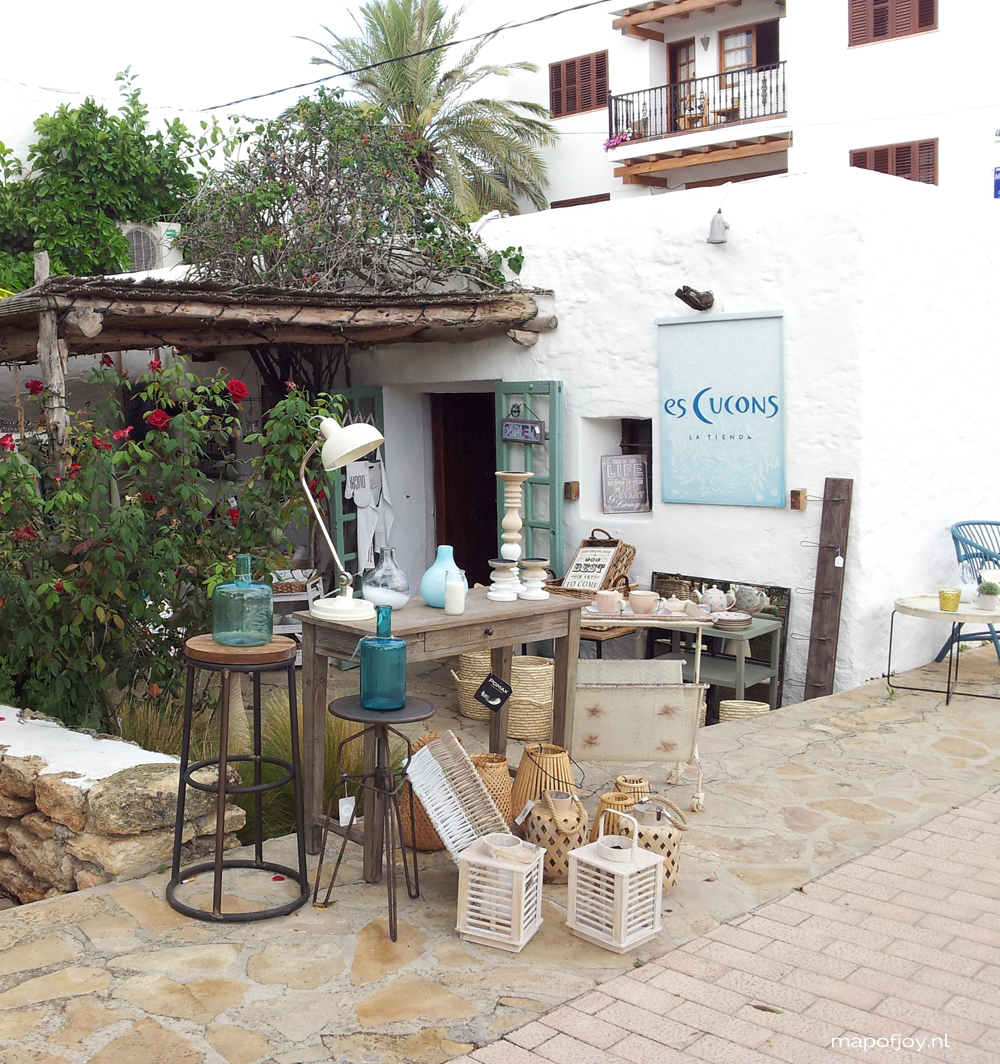 Es Cucons, interior hot spot on Ibiza - Map of Joy