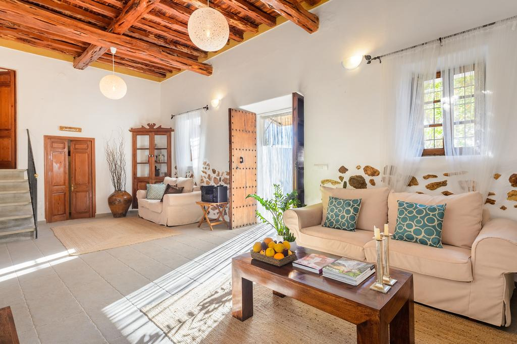 10x leuke en betaalbare accommodaties op Ibiza - Map of Joy