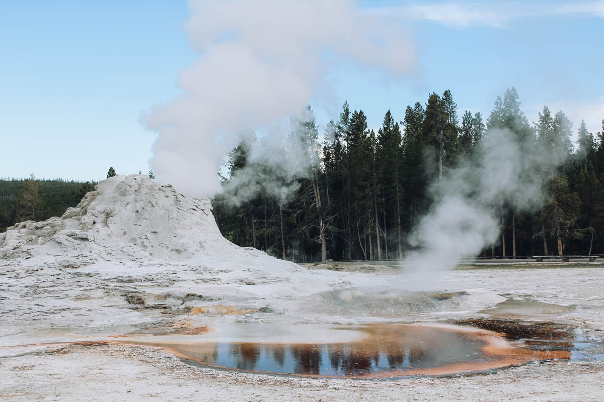 Upper Geyser Basin Trail Yellowstone NP - Map of Joy
