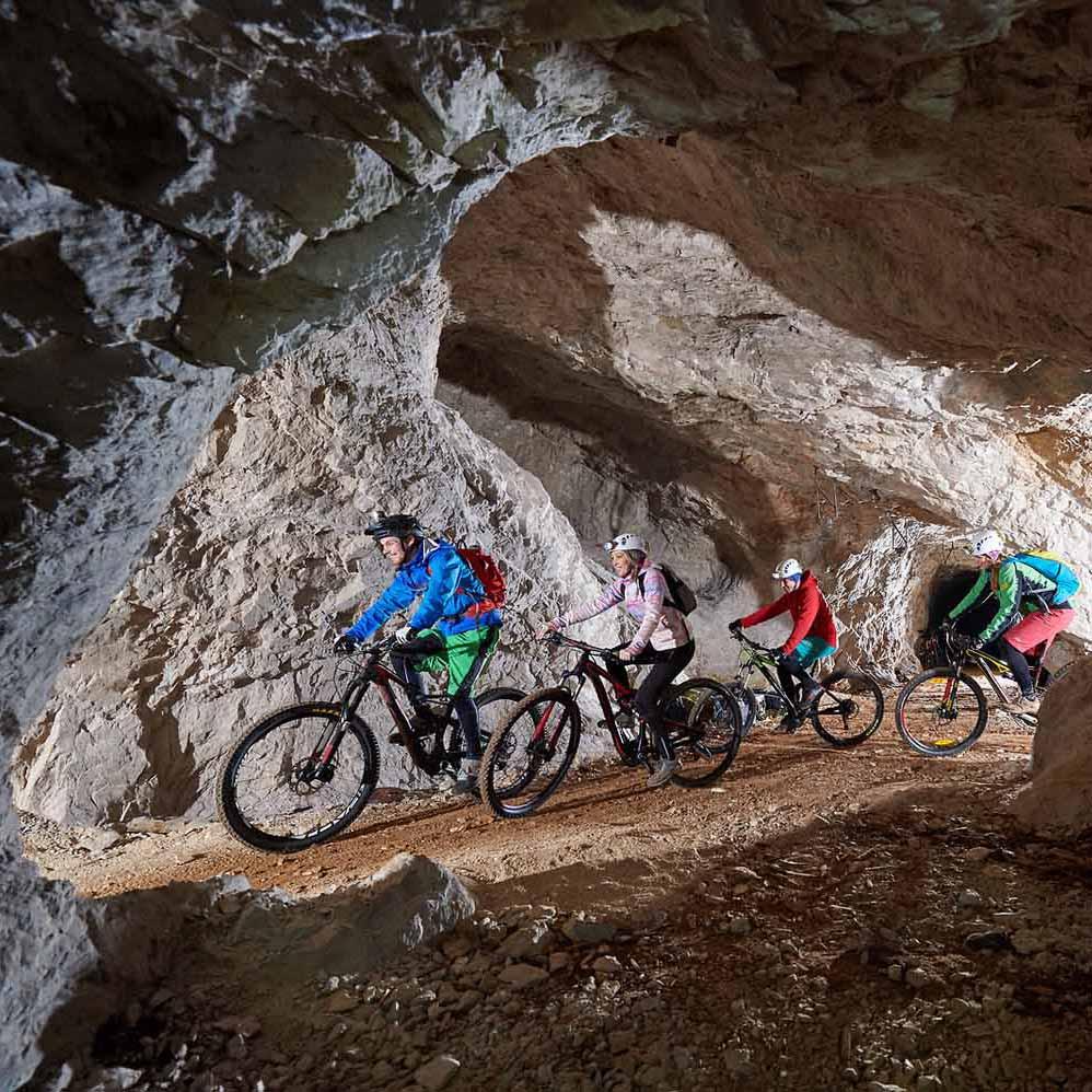 6x wandelen, fietsen of kajakken in de mooiste grotten van Slovenië - Map of Joy