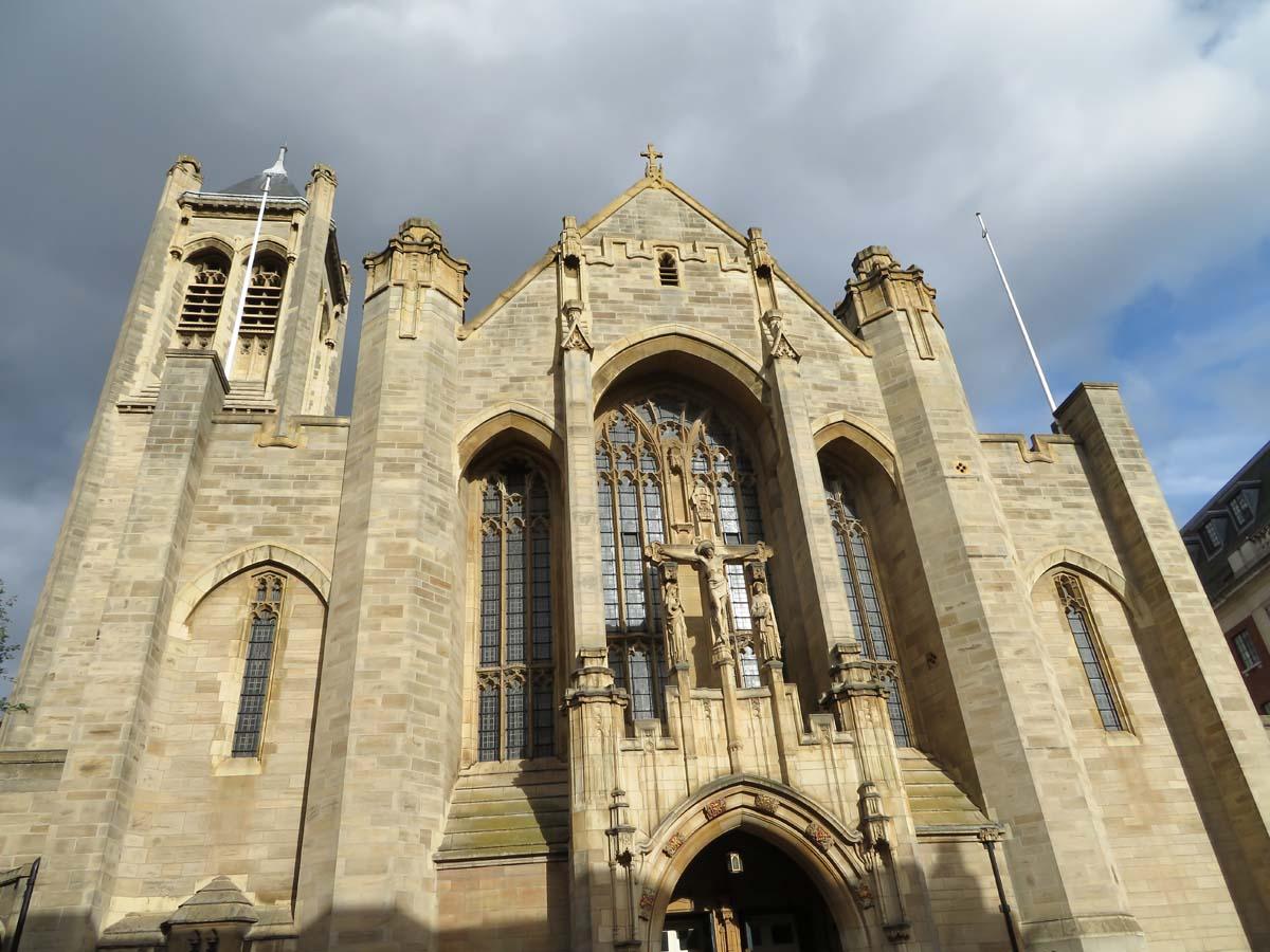 Leeds Cathedral, leuke dingen doen in Leeds - Map of Joy