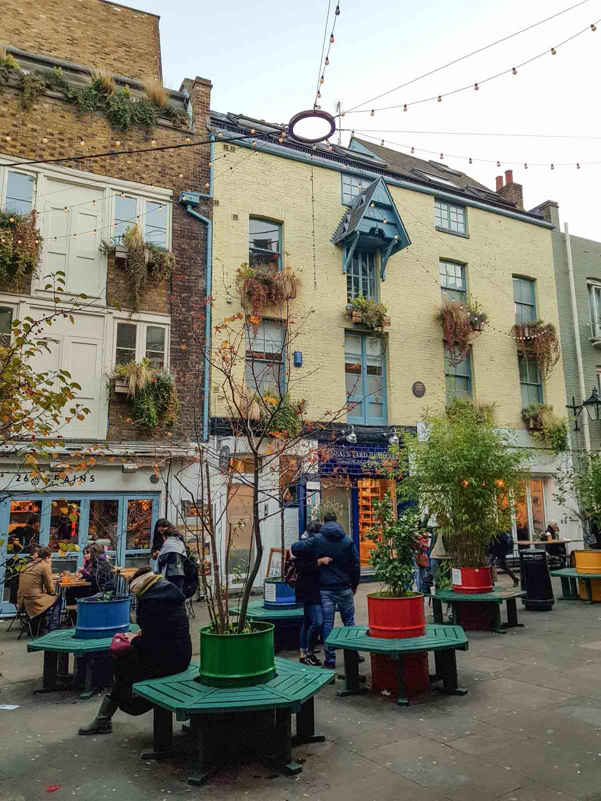 Kerst in Londen, Neal's Yard - Map of Joy