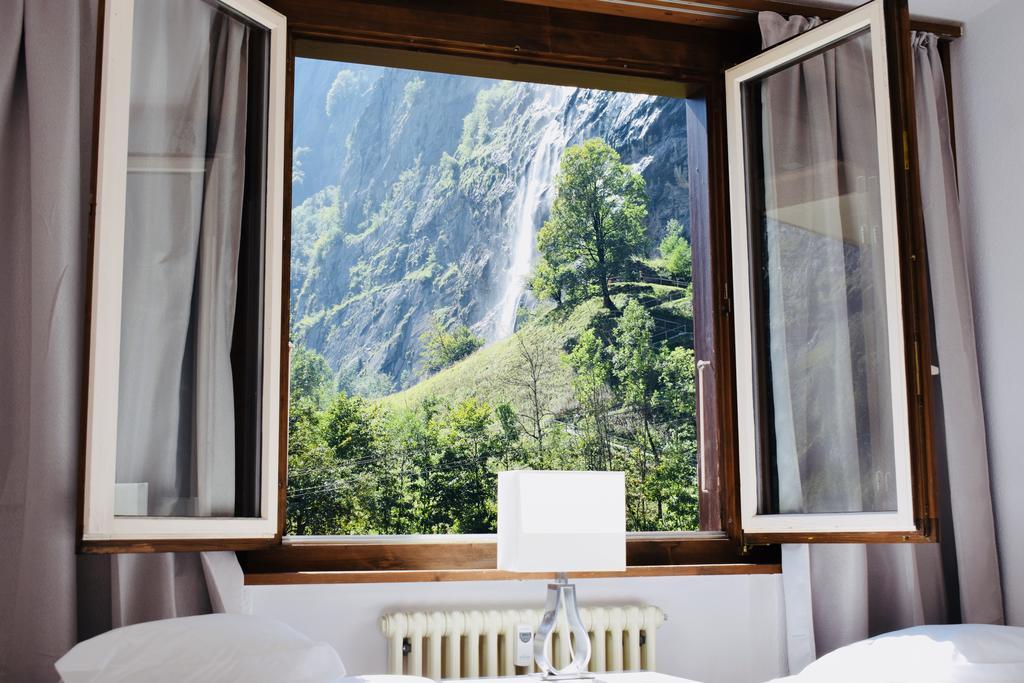 Breathtaking Waterfall Apartments, Lauterbrunnen