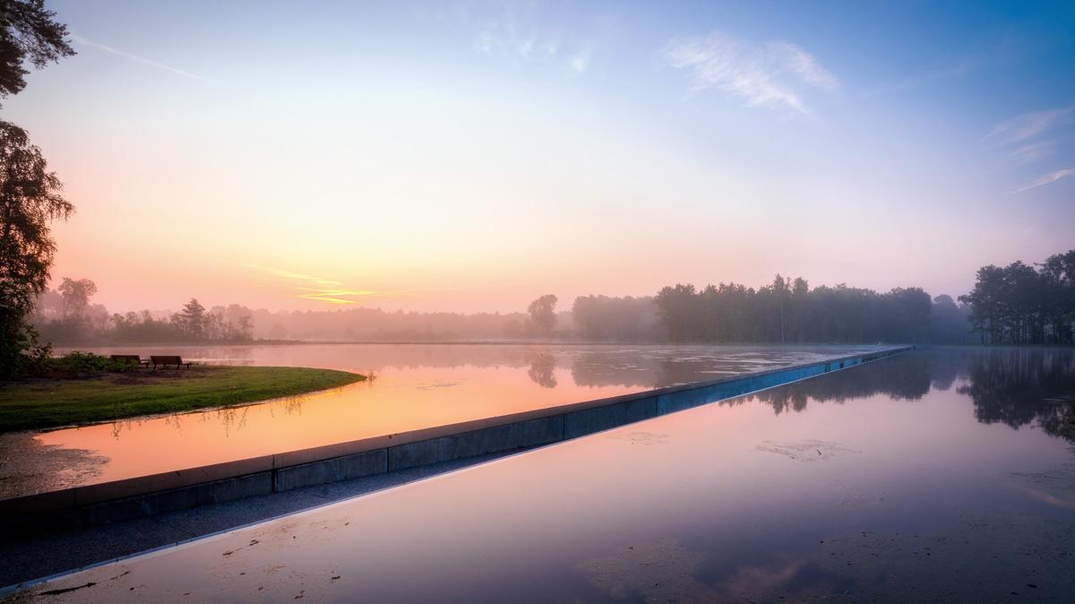 Fietsen door het water in Belgisch Limburg