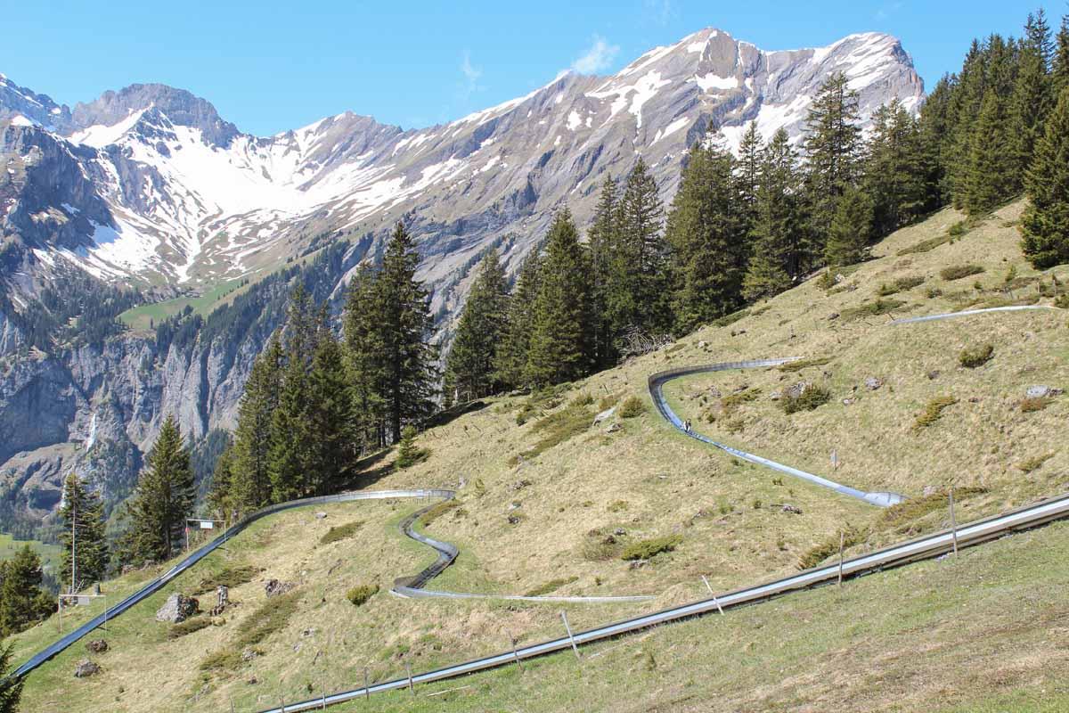 Prachtige, makkelijke wandeling in Kandersteg door de bergen, rodelbahn Kandersteg - Map of Joy
