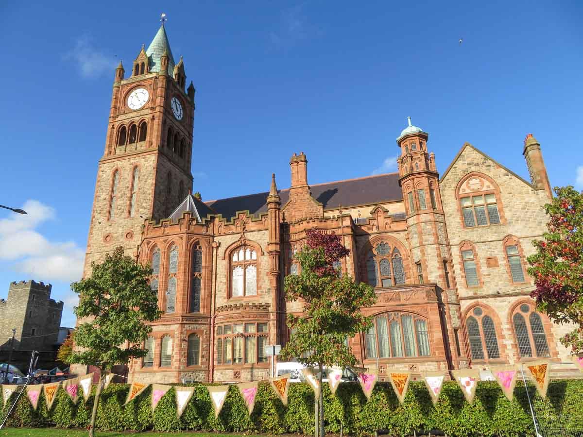 Stedentrip Derry-Londonderry: bezienswaardigheden en tips, Guildhall