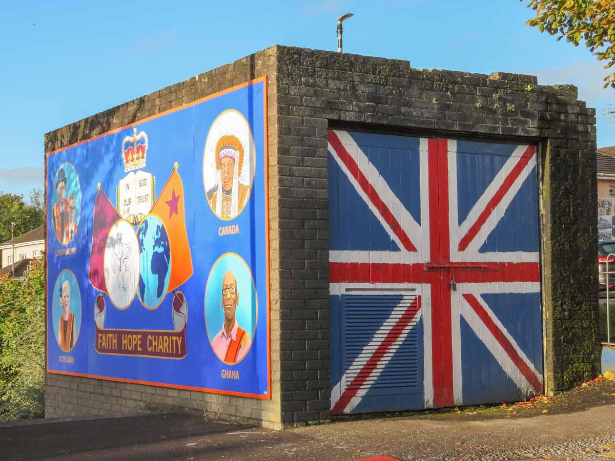 Stedentrip Derry-Londonderry: bezienswaardigheden en tips, muurschilderingen Fountainhead