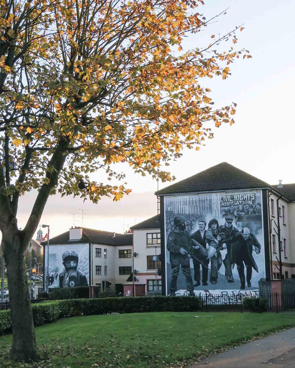 Stedentrip Derry-Londonderry: bezienswaardigheden en tips, muurschilderingen Bogside