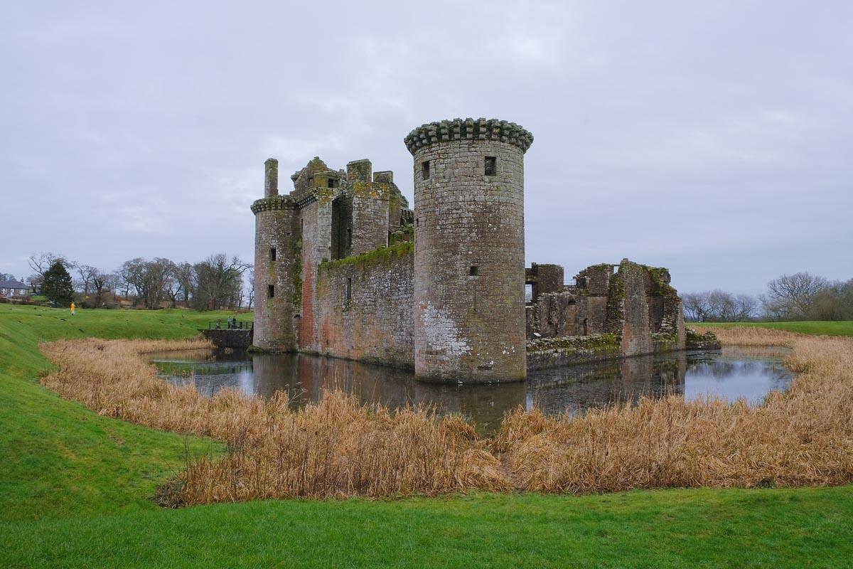 De mooiste bezienswaardigheden in Zuid-Schotland [roadtrip route], Caerlaverock Castle