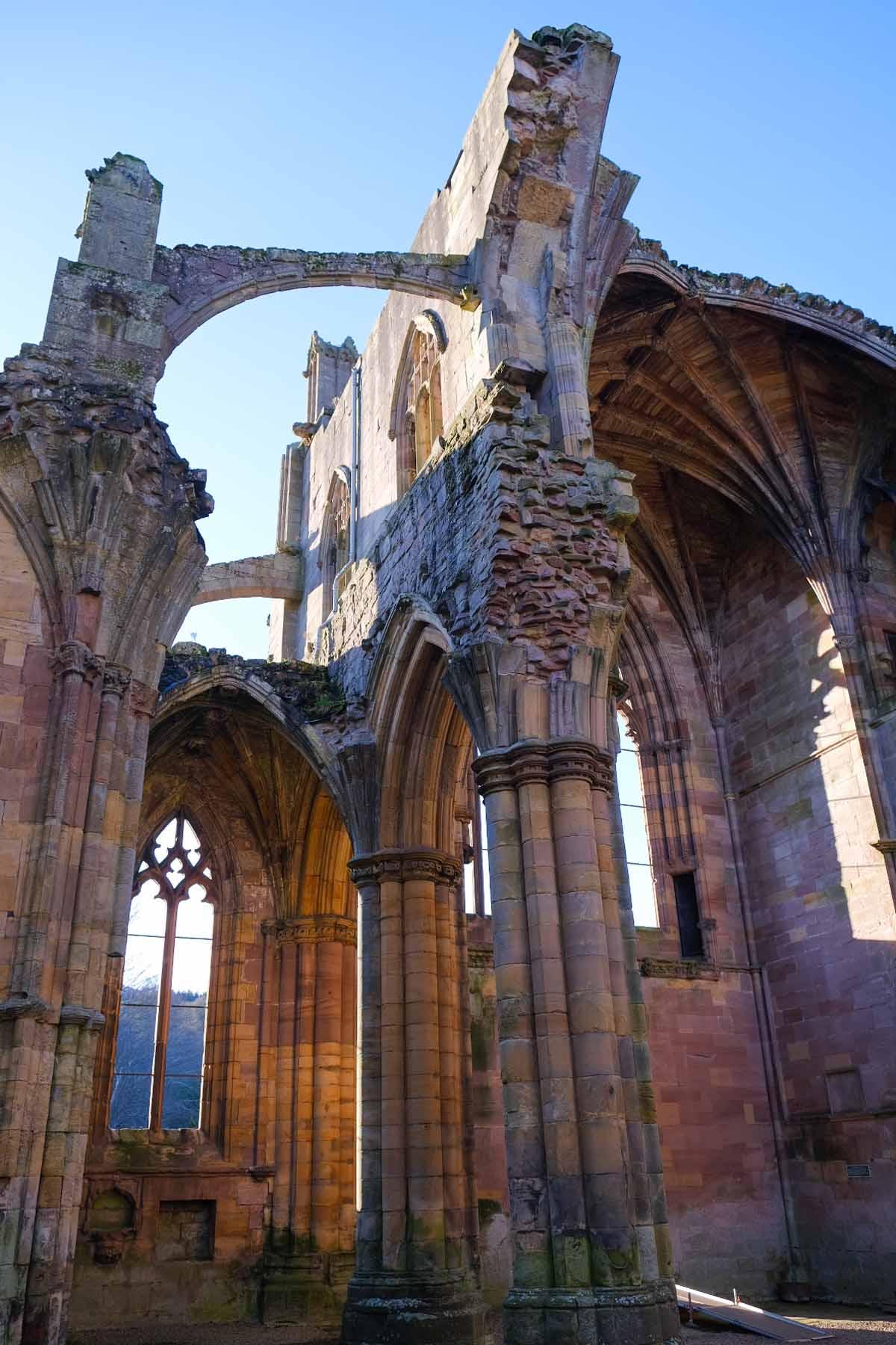 De mooiste bezienswaardigheden in Zuid-Schotland [roadtrip route], Melrose Abbey