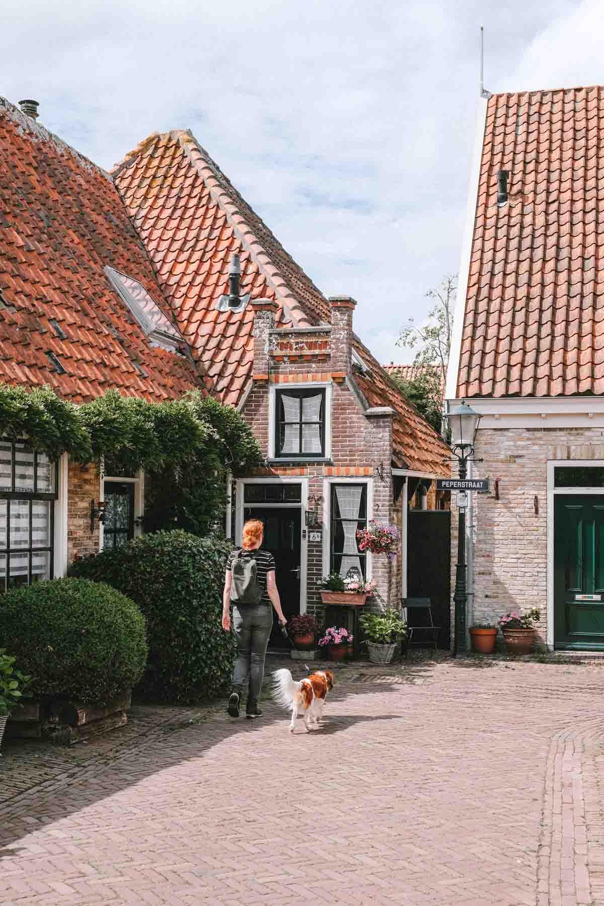 25x de leukste dingen om te doen op Texel, het dorpje Oosterend