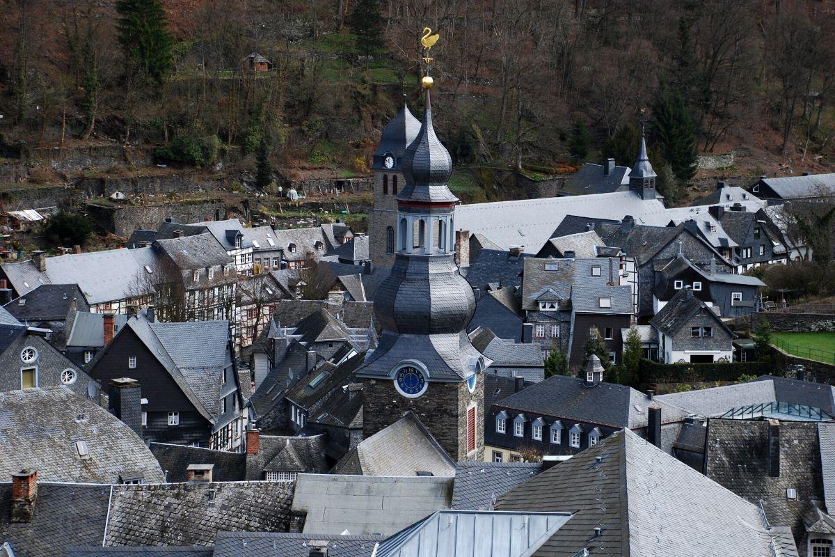 Dit zijn de 5 mooiste steden en dorpjes in de Eifel [+ wat te doen tips], Monschau
