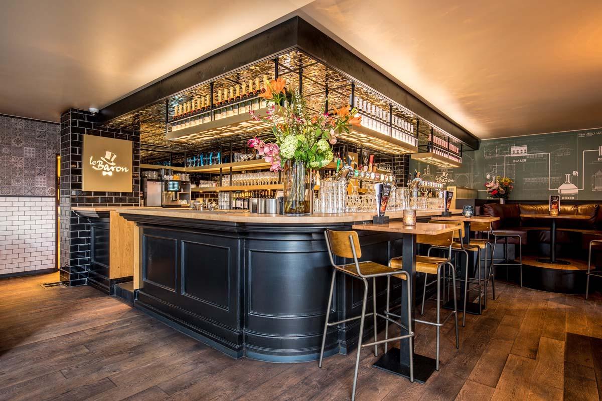 eten en drinken in Almere-Centrum, Le Baron