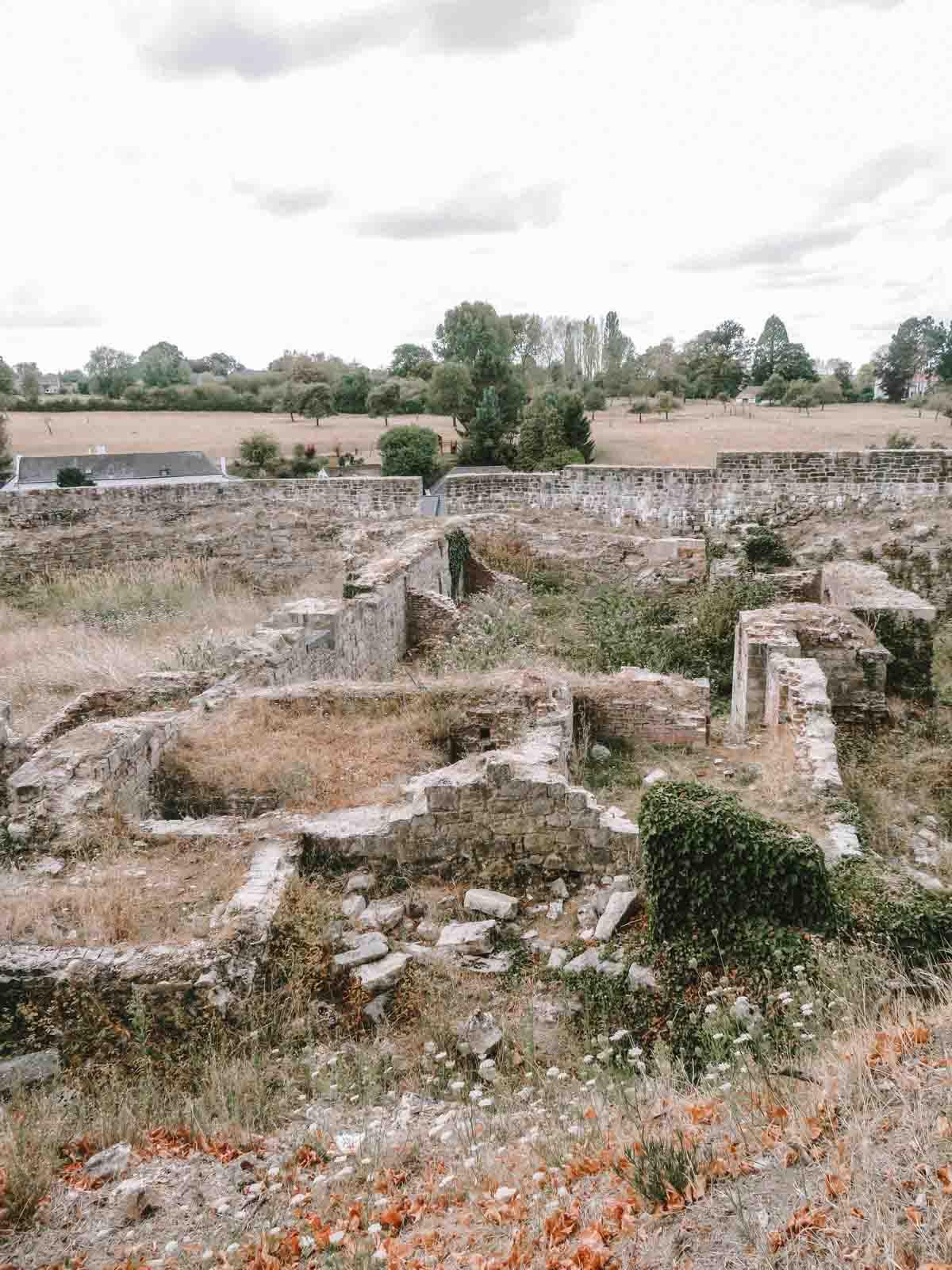 De ruïnes van het kasteel van Binche