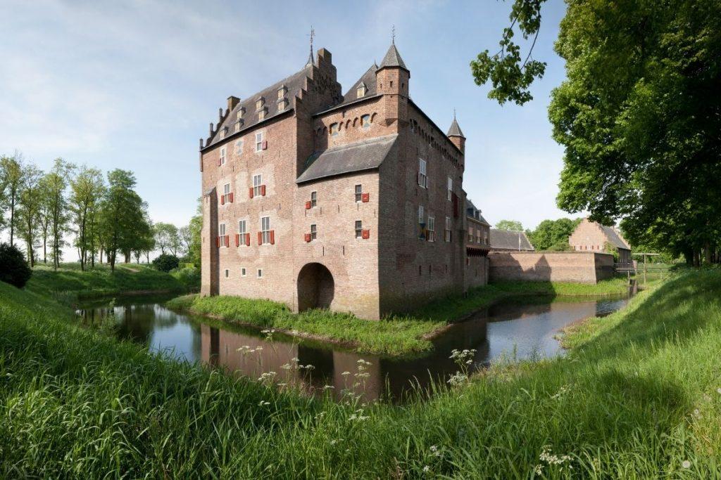 de mooiste kastelen in Nederland die je kunt bezoeken, Kasteel Doorwerth