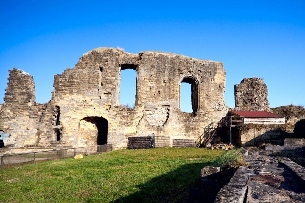 de mooiste kastelen in Nederland die je kunt bezoeken, Kasteel Valkenburg