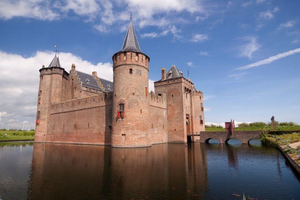 de mooiste kastelen in Nederland die je kunt bezoeken, Muiderslot